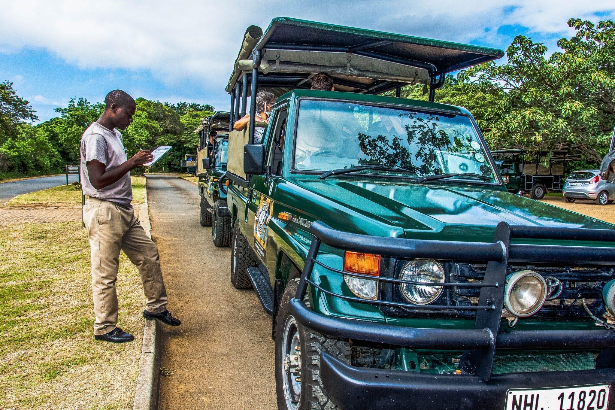 Exclusive Big 5 Safari for six people to hluhluwe-imfolozi park